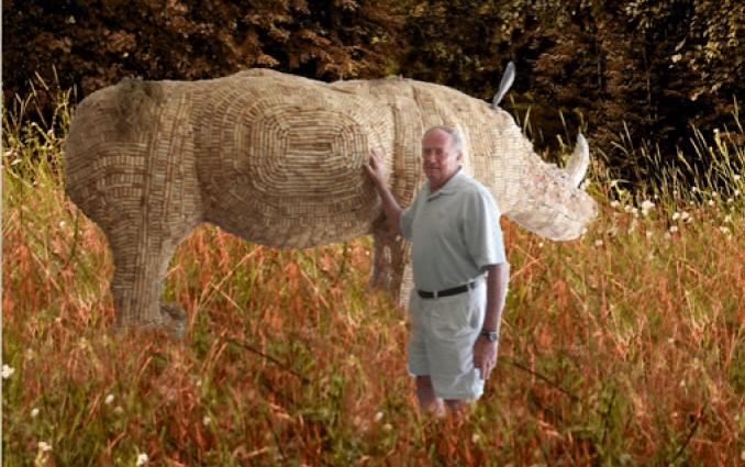 jim-lambert-e-il-suo-rinoceronte-di-tappi-di-sughero